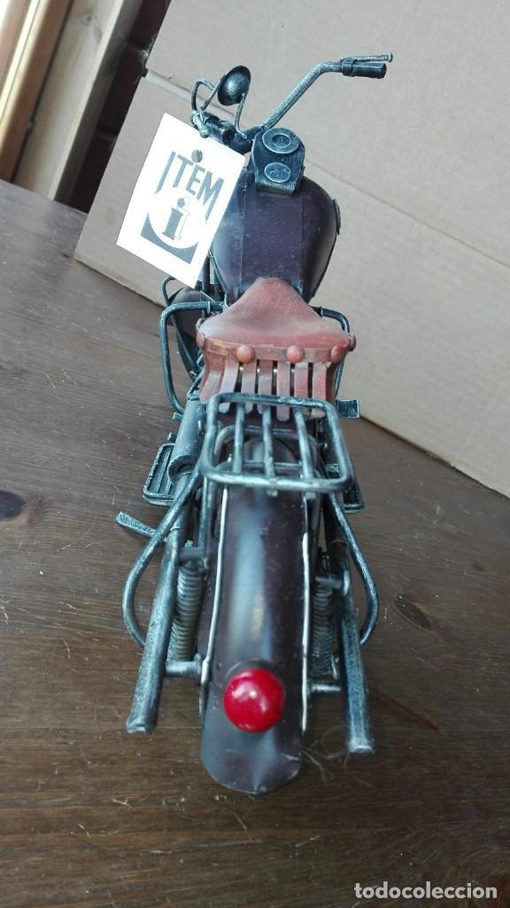 Motos a escala: Preciosa Moto a escala. De metal - Foto 3 - 138096190
