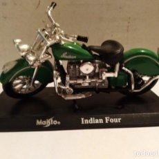 Motos a escala: MOTO A ESCALA MAISTO CON PEANA INDIAN FOUR. Lote 147169897