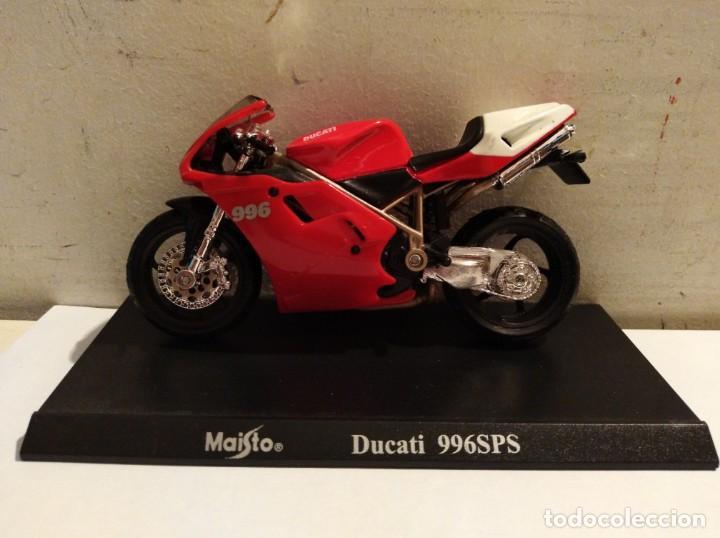MOTO A ESCALA MAISTO CON PEANA DUCATI 996 SPS (Juguetes - Motos a Escala)