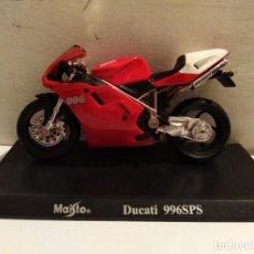 Motos a escala: MOTO A ESCALA MAISTO CON PEANA DUCATI 996 SPS . Lote 142650558