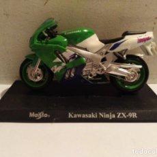 Motos a escala: MOTO A ESCALA MAISTO CON PEANA KAWASAKI NINJA ZX 9R. Lote 142651118