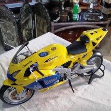Motos a escala: MOTO MAQUETA CON SONIDO SUZUKI GSX 1300 R. Lote 142800146