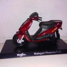 Motos a escala: MOTO A ESCALA MAISTO CON PEANA MALAGUTI PHANTOM F 12. Lote 218991591