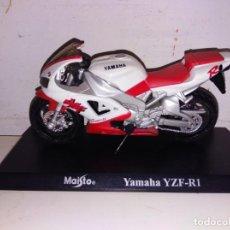 Motos a escala: MOTO A ESCALA MAISTO CON PEANA YAMAHA YZF R1. Lote 143730530