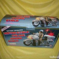 Motos a escala: MOTO HARLEY DAVIDSON POLICÍA, MOTOR CYCLE, AÑO 1984, FUNCIONA, NUEVA SIN USAR.. Lote 144207030