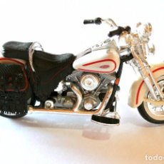 Motos a escala: MOTOCICLETA HARLEY DAVIDSON FLSTS HERITAGE SPRINGER, EDICIÓN MAISTO , 13.5 CMS. Lote 145485474