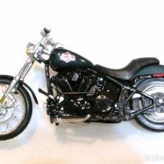 Motos a escala: MOTOCICLETA HARLEY DAVIDSON FXSTB NIGHT TRAIN, EDICIÓN MAISTO , 13 CMS. Lote 145786174