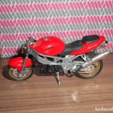 Motos a escala: MOTO A ESCALA SUZUKI MAISTO. Lote 145974066