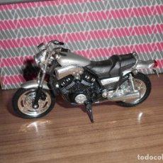 Motos a escala: MOTO A ESCALA YAMAHA VMAX MAISTO. Lote 145974230