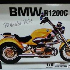 Motos a escala: BMW R1200C MODEL KIT 1:6 NEWRAY. Lote 147053878