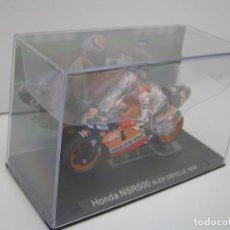 Motos à l'échelle: MOTO CON PILOTO : ALEX CRIVILLE . HONDA NSR500 AÑO 1999- ESCALA 1/24- CON URNA. - NUEVA. Lote 151221586