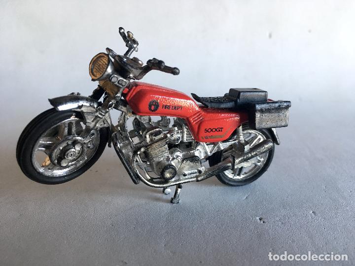 MOTOCICLETA DE BOMBEROS - FIRE DEPT (DEPARTAMENT) - 9 CMS. X 5 CMS. MOTO DE PLÁSTICO (Juguetes - Motos a Escala)