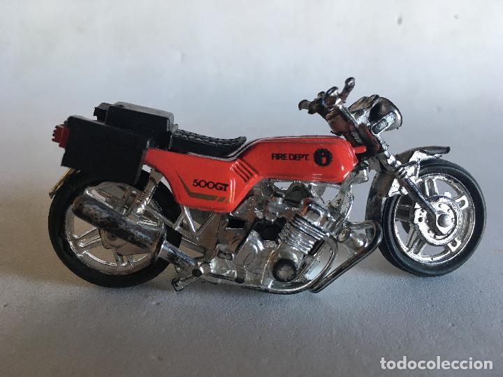 Motos a escala: MOTOCICLETA DE BOMBEROS - FIRE DEPT (DEPARTAMENT) - 9 CMS. X 5 CMS. MOTO DE PLÁSTICO - Foto 2 - 151617530