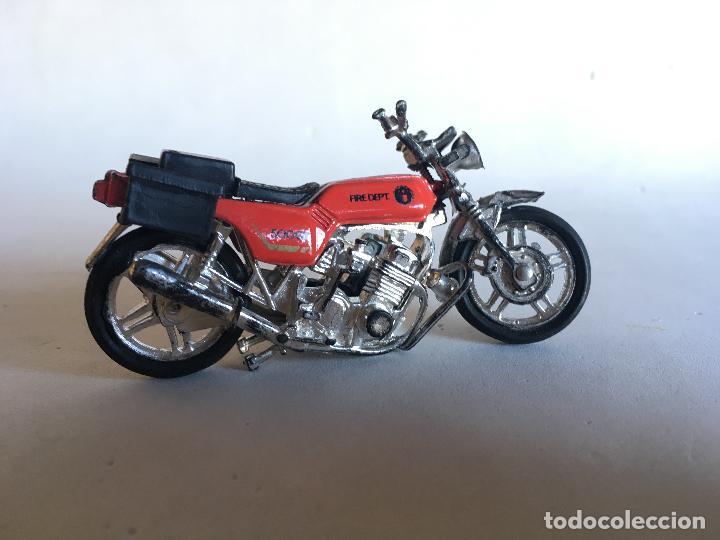 Motos a escala: MOTOCICLETA DE BOMBEROS - FIRE DEPT (DEPARTAMENT) - 9 CMS. X 5 CMS. MOTO DE PLÁSTICO - Foto 6 - 151617530