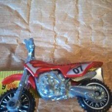 Motos a escala: MOTO HOT WHEELS PMUY PEQUEÑA. Lote 151667890