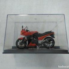Motos a escala: MOTO MOTOCILETA ESCALA KAWASAKI GPZ 900R NINJA - 1984. CAR134. Lote 158144586