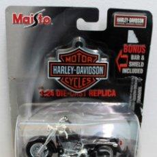 Motos a escala: MOTO HARLEY DAVIDSON 2000 FLSTF FAT BOY . MAISTO ESCALA 1:24. . Lote 159916958