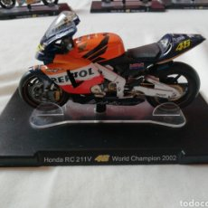 Motos a escala: HONDA RC 211V /VALENTINO ROSSI/ WORLD CHAMPION 2002. Lote 160206210