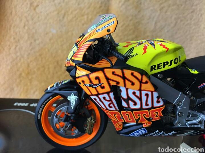 Motos a escala: MINICHAMPS Repsol Honda Team RC211V Valentino Rossi MotoGP Valencia 03 1:12 - Foto 3 - 160471901