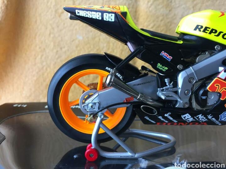 Motos a escala: MINICHAMPS Repsol Honda Team RC211V Valentino Rossi MotoGP Valencia 03 1:12 - Foto 4 - 160471901