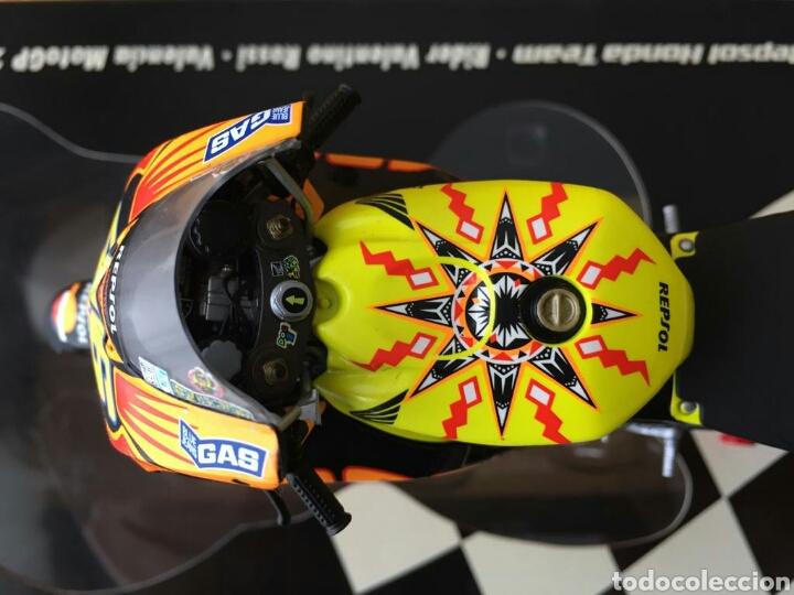 Motos a escala: MINICHAMPS Repsol Honda Team RC211V Valentino Rossi MotoGP Valencia 03 1:12 - Foto 6 - 160471901