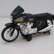 Motos a escala: MOTO JUGUETE A PILAS. NO ESTA PROBADA. 28CM.. Lote 167809688