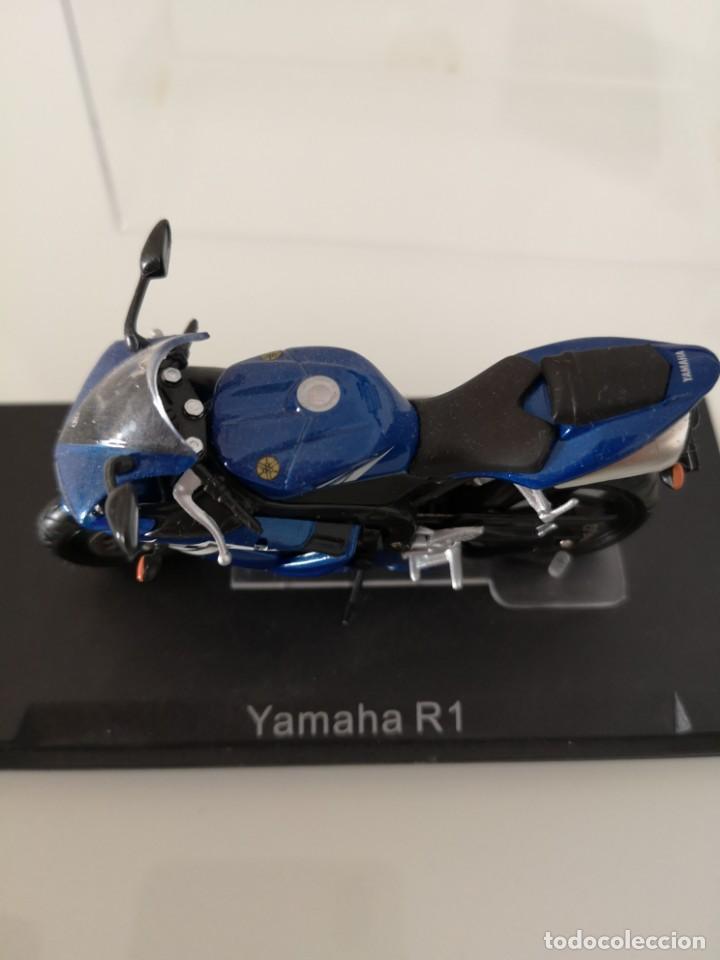 Motos a escala: YAMAHA R1 ESCALA 1/24 NUEVA EN SU BLISTER ORIGINAL - Foto 2 - 171084652