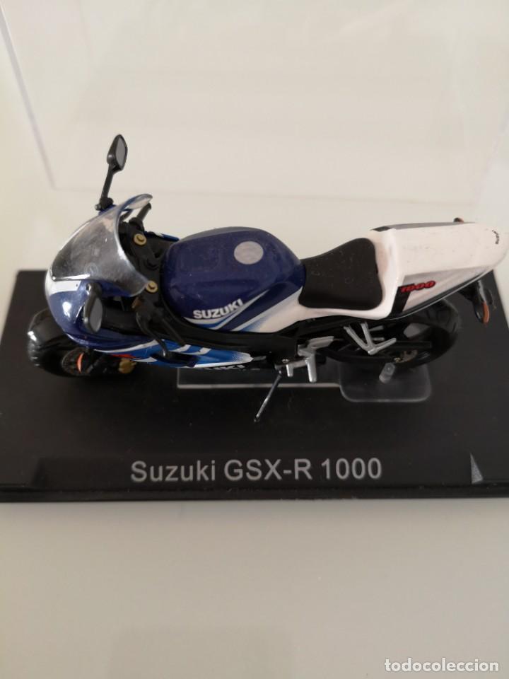Motos a escala: SUZUKI GSX-R 1000 ESCALA 1/24 NUEVA EN SU BLISTER ORIGINAL - Foto 2 - 171085924