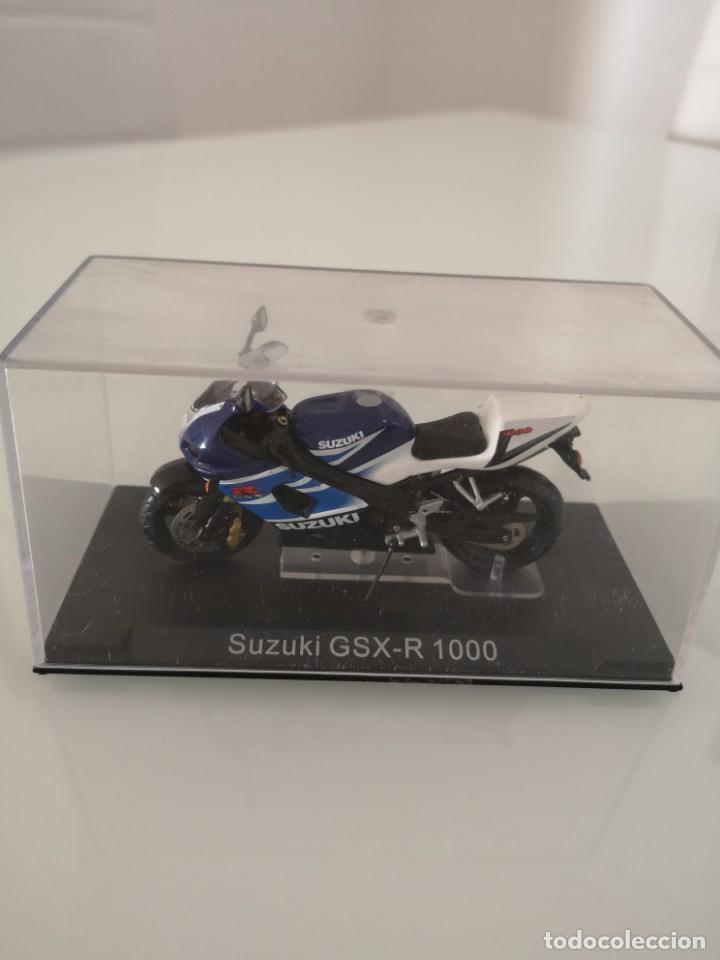 Motos a escala: SUZUKI GSX-R 1000 ESCALA 1/24 NUEVA EN SU BLISTER ORIGINAL - Foto 3 - 171085924