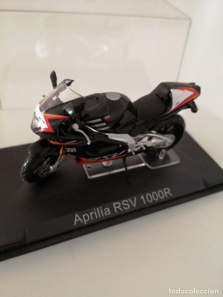 APRILIA RSV 1000 R ESCALA 1/24 NUEVA EN SU BLISTER ORIGINAL (Juguetes - Motos a Escala)