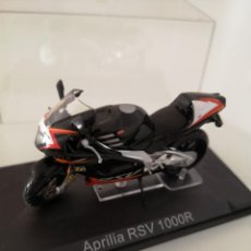 Motos a escala: APRILIA RSV 1000 R ESCALA 1/24 NUEVA EN SU BLISTER ORIGINAL . Lote 171086180