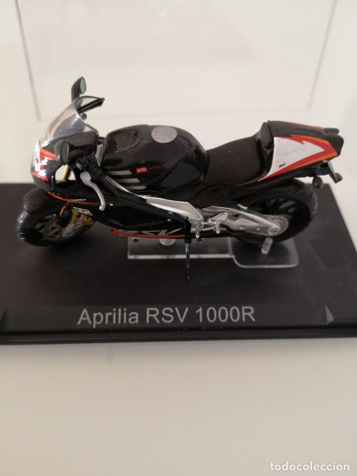 Motos a escala: APRILIA RSV 1000 R ESCALA 1/24 NUEVA EN SU BLISTER ORIGINAL - Foto 2 - 171086180