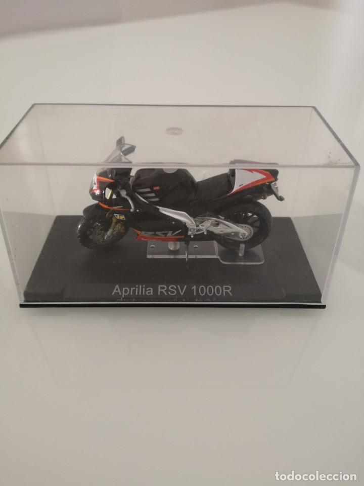 Motos a escala: APRILIA RSV 1000 R ESCALA 1/24 NUEVA EN SU BLISTER ORIGINAL - Foto 4 - 171086180