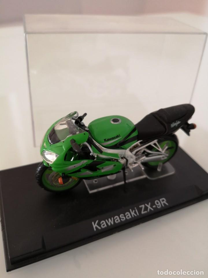 KAWASAKI ZX-9R ESCALA 1/24 NUEVA EN SU BLISTER ORIGINAL (Juguetes - Motos a Escala)