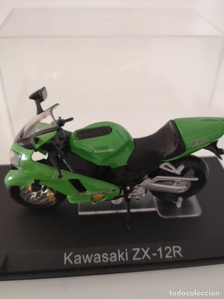 KAWASAKI ZX-12R ESCALA 1/24 NUEVA EN SU BLISTER ORIGINAL (Juguetes - Motos a Escala)