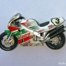 Motos a escala: MOTO ALTAYA E 1:24. Nº 3. HONDA RC45 JOHN KOCINSKY 1997. Lote 171312745