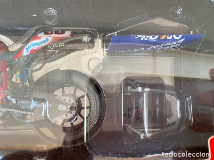 Motos a escala: DUCATI 999 F04 GREGORIO LAVILLA BSB2005 MINICHAMPS SCALE 1:12 - Foto 3 - 171428574