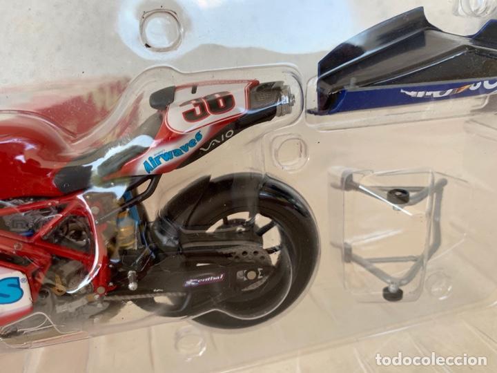 Motos a escala: DUCATI 999 F04 GREGORIO LAVILLA BSB2005 MINICHAMPS SCALE 1:12 - Foto 10 - 171428574