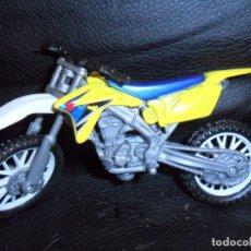 Motos a escala: MOTO DE MOTOCROSS SUZUKI - NEW RAY TOYS -. Lote 172841064