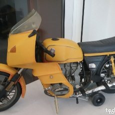 Motos in scale: MOTO DE JUGUETE A PILAS BMW R100RS PAYÁ, SIN CONDUCTOR, SIN CAJA.. Lote 172887717