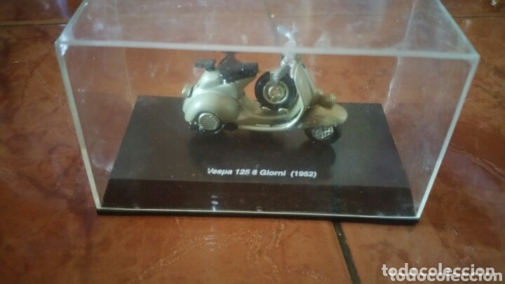 VESPA 125 6 GIORNI ( 1952 ) (Juguetes - Motos a Escala)