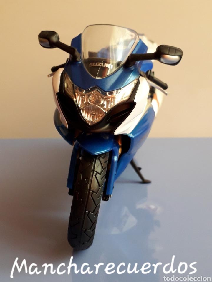 Motos a escala: MOTO MINIATURA SUZUKI GSR X NUEVA DE COLECCION ESCALA 17 X 9 CMTRS MOTOCICLETA - Foto 4 - 176503349