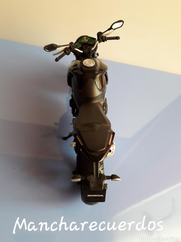 Motos a escala: MOTO MINIATURA HONDA CB 1000 R NUEVA DE COLECCION ESCALA 17 X 9 CMTRS MOTOCICLETA - Foto 7 - 176507080