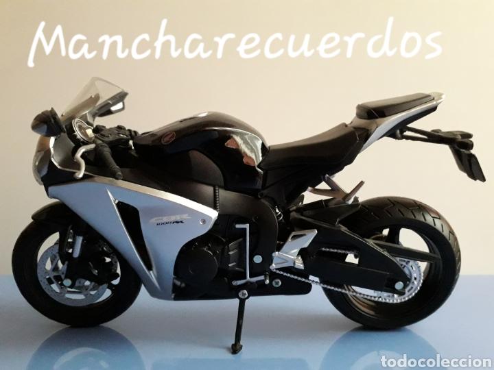 MOTO MINIATURA YAMAHA CBR 1000 RR NUEVA DE COLECCION ESCALA 17 X 9 CMTRS MOTOCICLETA (Juguetes - Motos a Escala)