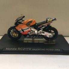 Motos a escala: HONDA RC211V VALENTINO ROSSI 2002. Lote 181560488