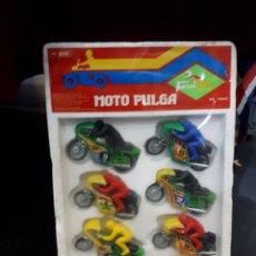 Motos a escala: EXPOSITOR GUILOY MOTO PULGA CON PILOTO. Lote 185934052