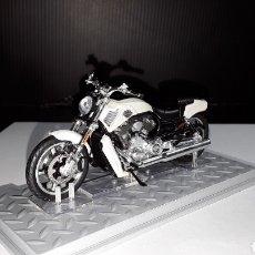 Motos a escala: -HARLEY DAVIDSON VRSCF V-ROD MUSCLE 2011-1/24- ALTAYA-IXO. Lote 217631717