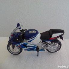 Motos a escala: MOTO MAISTO SUZUKI GSX-R 750 ESCALA 1:18. Lote 189514090