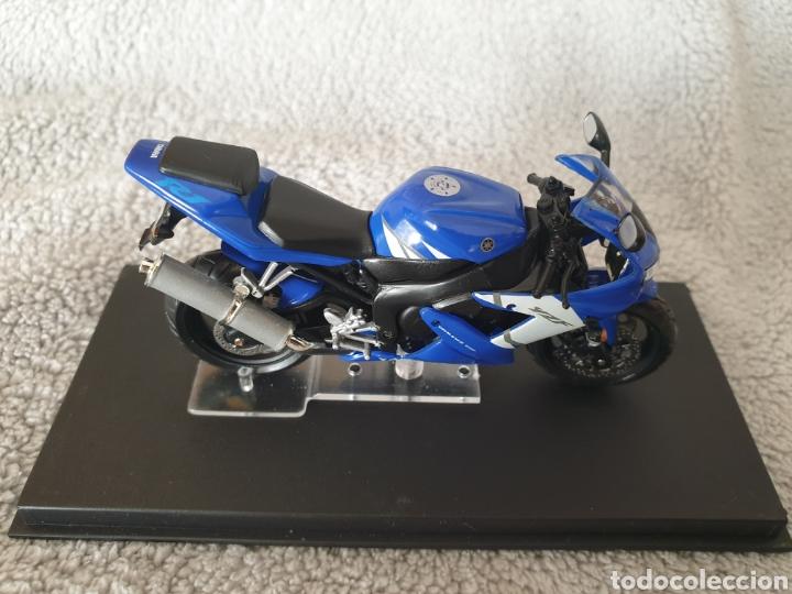 Motos a escala: Moto Yamaha R1 - Foto 2 - 222044293