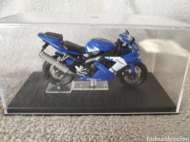 Motos a escala: Moto Yamaha R1 - Foto 3 - 222044293